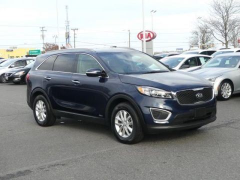 Pre-Owned 2017 Kia Sorento LX AWD All Wheel Drive LX AWD